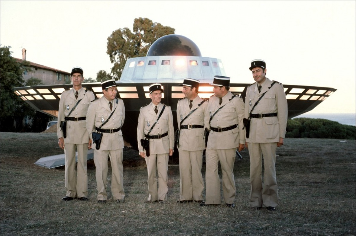Скачать жандарм и инопланетяне 1979 по торрентам бесплатно